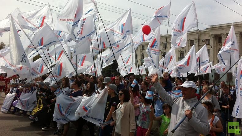 """Die Krim, fünf Jahre danach: Reise in die 'Neuen Bundesländer' Russlands – """"Мир! Труд! Май!"""""""