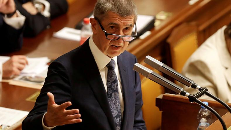 Nach Massenprotesten: Tschechische Regierung übersteht Misstrauensantrag