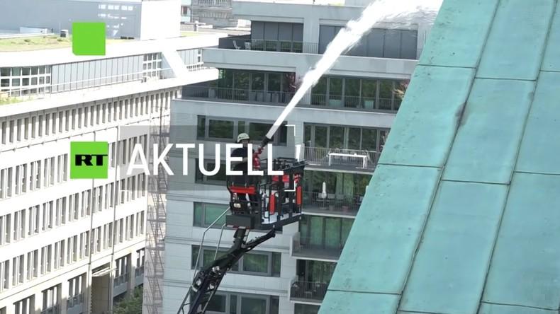 Berliner Dom: Feuerwehr probt für den Ernstfall nach Brand von Notre-Dame (Video)