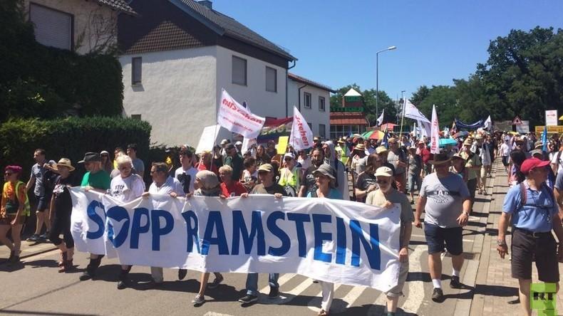 """""""Symbol der Gewaltordnung"""" - Proteste gegen US-Basis Ramstein"""