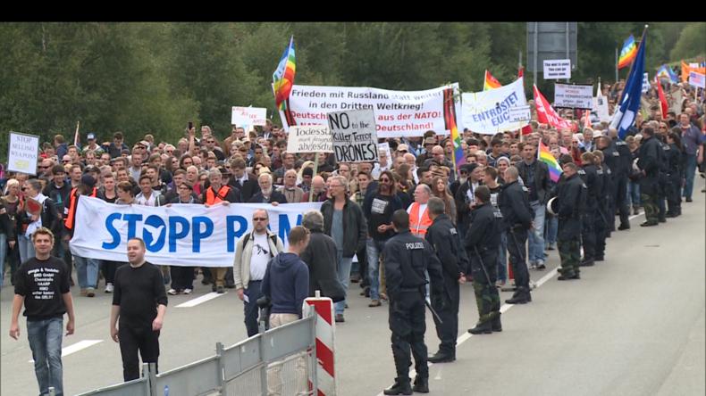 "Mehrere Tausend Demonstranten fordern ""Stopp Air Base Ramstein"" (Video)"