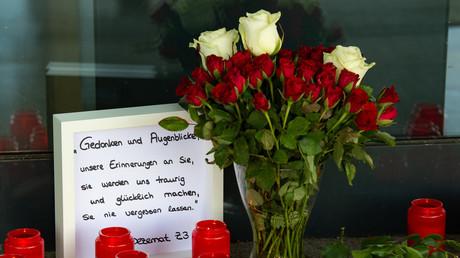 Blumen und Kerzen in Gedenken an den ermordeten Walter Lübcke (CDU), Hessen, Kassel, Deutschland, 3. Juni 2019.