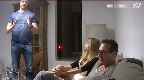 Das Videomaterial soll rund sieben Stunden lang sein. Der Ex-FPÖ-Chef Heinz-Christian Strache nannte das geheim aufgenommene Video auf der Insel Ibiza eine