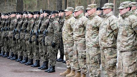Polnische und US-amerikanische Soldaten in Żagań, Polen, 12. Januar 2017