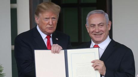 US-Präsident Donald Trump und der israelische Ministerpräsident Benjamin Netanjahu mit der Erklärung der israelischen Souveränität über die Golanhöhen, Washington, USA, 25. März 2019.