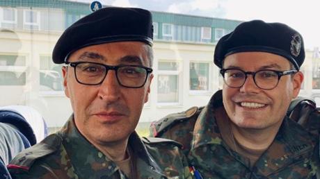 Oberleutnants der Panzertruppe? Die Abgeordneten Özdemir und Lindner am Freitag bei der Bundeswehr
