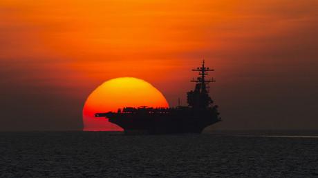 Dem Morgenrot entgegen oder eher in den (Sonnen-)Untergang? US-Flugzeugträger auf dem Weg in den Persischen Golf...