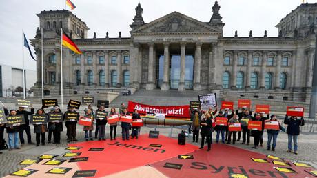 Demonstrationen gegen Handel mit Waffen, 26. Februar 2019, Berlin, Deutschland.