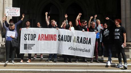 Die britische Aktivistengruppe CAAT freut sich nach dem Gerichtsurteil eines Berufungsgerichts in London über das Verbot für Waffenverkäufe an die von Saudi-Arabien angeführte Kriegsallianz im Jemen.