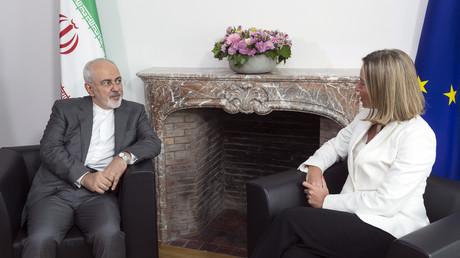 Der iranische Außenminister Mohammed Dschawad Sarif und die EU-Außenbeauftragte Federica Mogherini am 15. Mai 2018