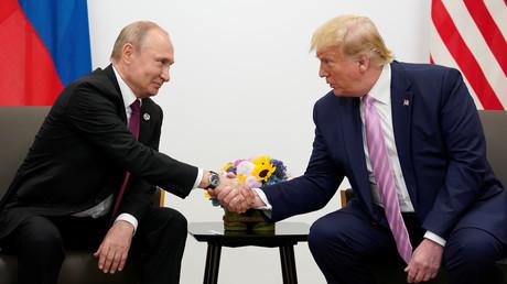 Putin und Trump bei ihrem Treffen am Freitag in Osaka
