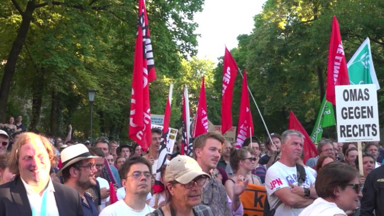 München: Solidaritätskundgebung für Sea-Watch-Kapitänin Rackete vor italienischem Konsulat