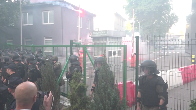 Bloss kein Dialog mit den Russen! Ukrainischer Sender stoppt Show nach Morddrohungen und Protesten