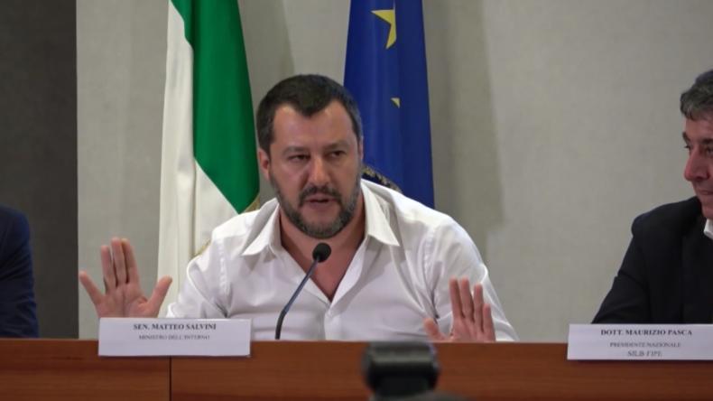 """Salvini teilt gegen Presse aus: Untersuchung wegen angeblichen russischen Ölgeschäfts """"lächerlich"""""""