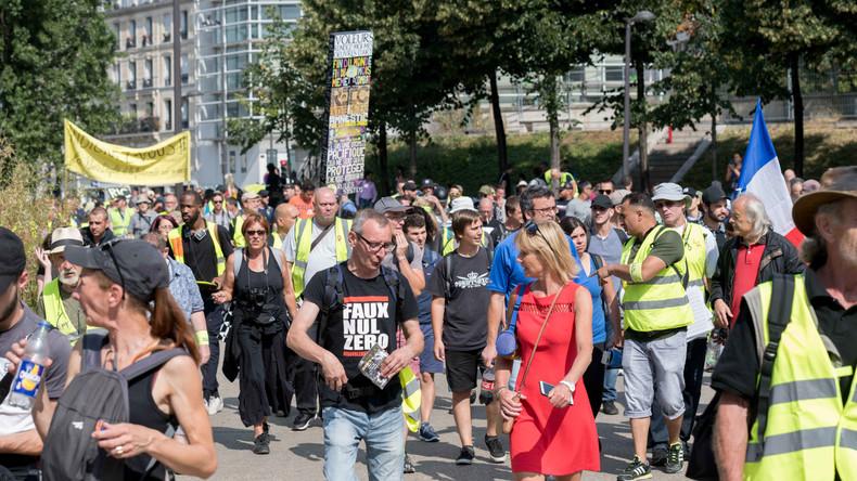 LIVE: #ActeXXXV in Paris – #Gelbwesten protestieren zum 35. Mal in Folge