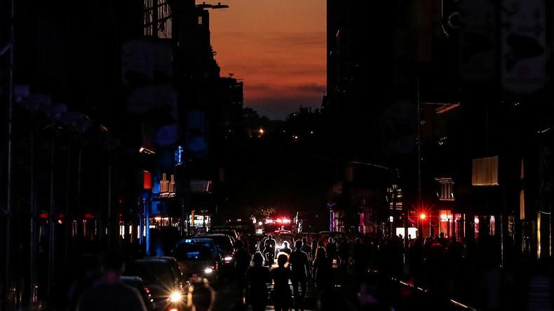 Stromausfall in New York – Spontane Shows und Konzerte auf der Straße