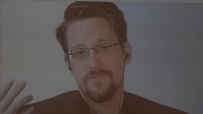 """Snowden: """"Gegen Dissidenten eingesetzt – Alles, was Sie bei Gmail oder Facebook tun, wird kopiert"""""""