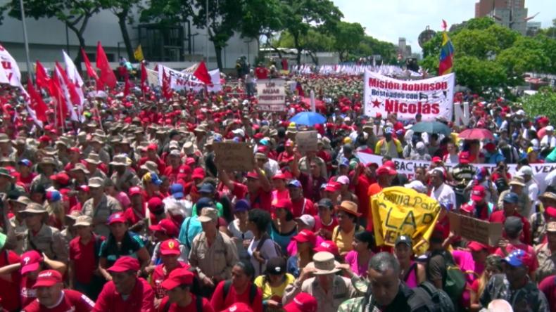 """""""Geschrieben, wie aus Washington bestellt"""" – Venezolaner ziehen gegen UN-Bericht auf die Straßen"""