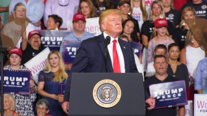"""USA: Trump-Fans brüllen """"Schick sie zurück"""", als er erneut Kongressfrauen angreift"""