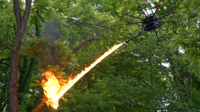 US-Firma präsentiert Flammenwerfer-Drohne: YouTube-Nutzer zeigen sich wenig begeistert
