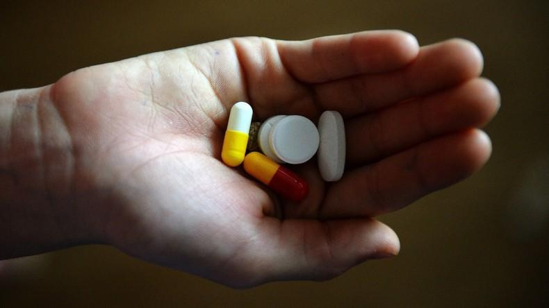 Russland: Zoll beschlagnahmt nicht zugelassene Medikamente für todkrankes Kind und nimmt Mutter fest