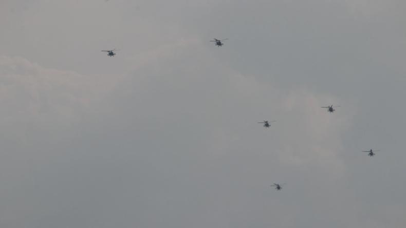 Geschwader von US-Kampfhubschraubern über Chemnitz gesichtet