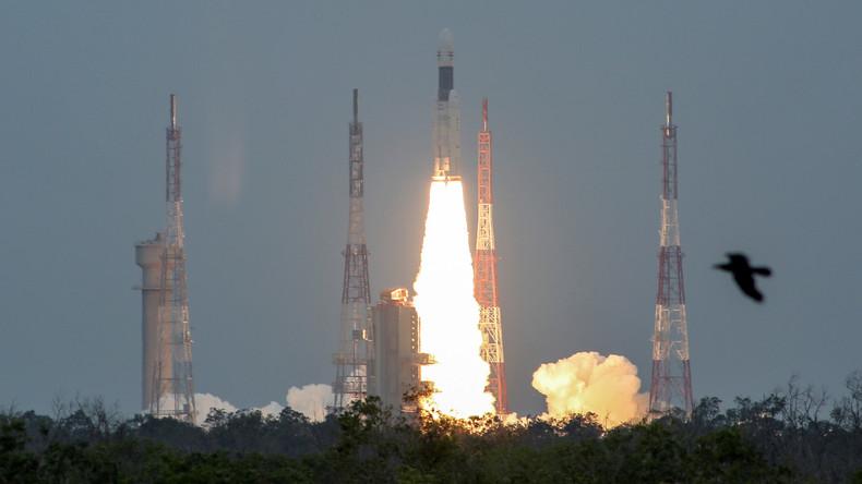 Rakete hebt ohne Probleme ab:Indien startet zu erster Mondlandemission
