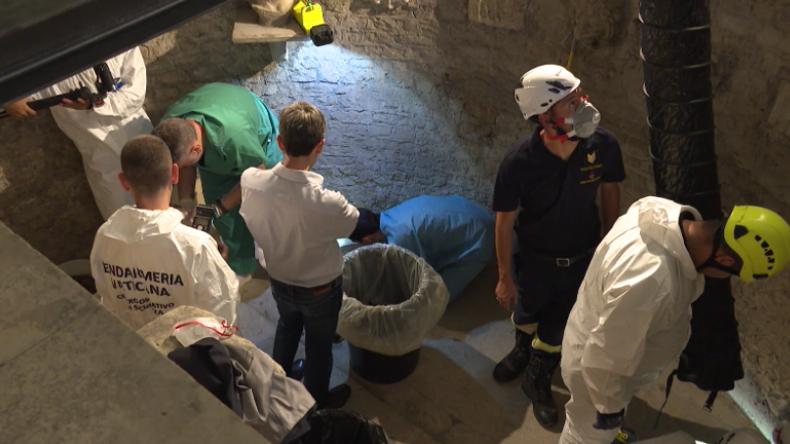 Tausende von Knochen im Vatikan gefunden, während Suche nach vermisstem Teenager weitergeht