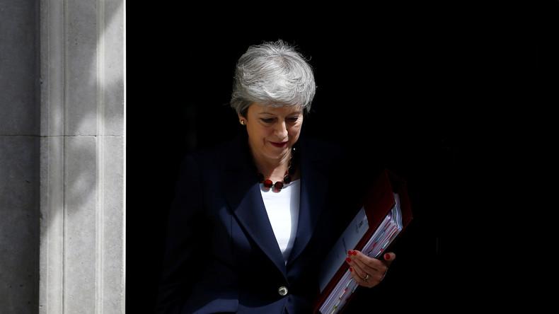 LIVE: Theresa May nimmt zum letzten Mal als Premierministerin an Kabinettssitzung teil – Ankünfte