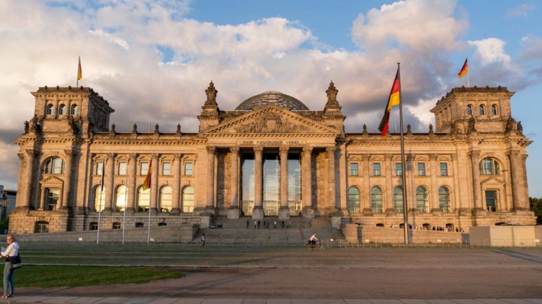 Neues Sicherheitskonzept: Ein Burggraben für den Bundestag
