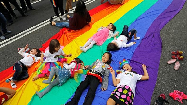 Transgender: Ärzte warnen vor geschlechtsangleichenden Maßnahmen an Kindern