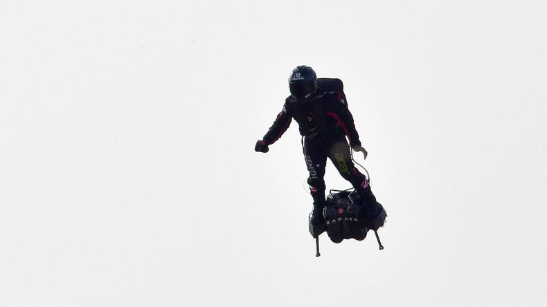 Französischer Erfinder Franky Zapata scheitert bei Überquerungsversuch des Ärmelkanals mit Flyboard