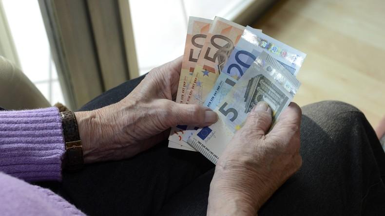 Mehr als die Hälfte aller Renten unter 900 Euro: Bundesregierung beschwichtigt