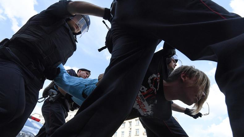 Protestdemo gegen Wahlausschluss von Oppositionellen in Moskau - Mehrere Festnahmen