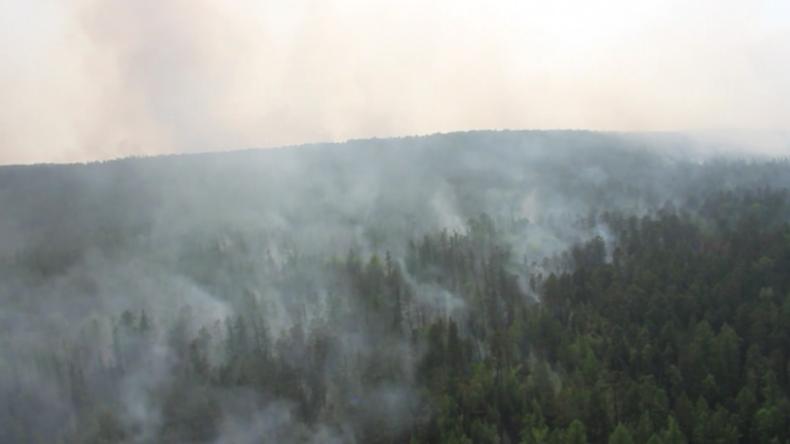 Russland versucht mit Flugzeugen, gegen massive sibirische Waldbrände anzukämpfen