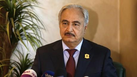 Der libysche General Chalifa Haftar liefert sich derzeit einen erbitterten Machtkampf mit der international anerkannten Einheitsregierung in der Hauptstadt Tripolis.