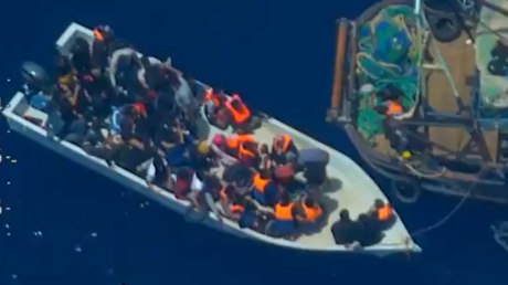 Schleuser und Flüchtlinge im Mittelmeer im Juni 2019