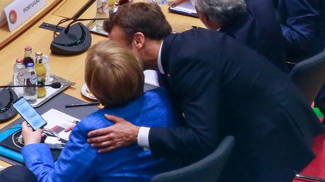 Ist von der Leyens Kandidatur für das Amt der EU-Kommissionspräsidentin das Ergebnis einer Einigung zwischen Macron und Merkel? In Deutschland wird sie jedenfalls heftig kritisiert.