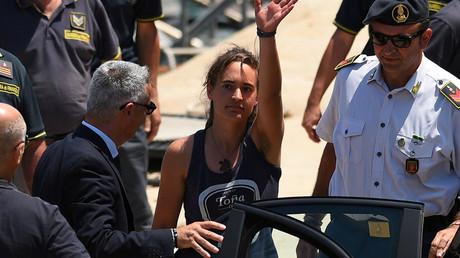 Die Kapitänin der deutschen Hilfsorganisation Sea-Watch Carola Rackete kommt wieder frei.