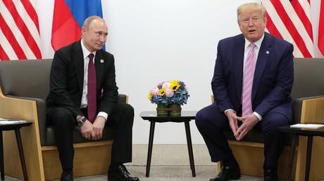 Der russische Präsident Wladimir Putin und US-Präsident Donald Trump bei einem Treffen am Rande des G20-Gipfels in Osaka, Japan