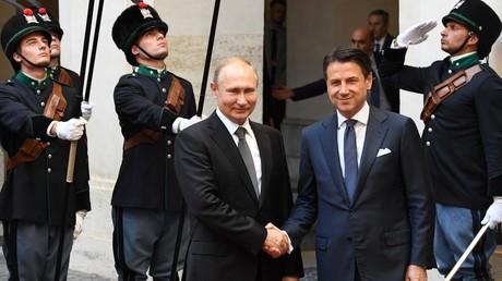 Der russische Präsident Wladimir Putin und Italiens Premierminister Giuseppe Conte beim Empfang in Rom am 4. Juli 2019