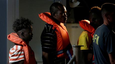 Migranten des deutschen Rettungsschiffes