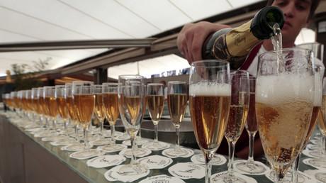Symbolbild: Champagner beim Filmfestival von Cannes, Frankreich, 17. Mai 2013.