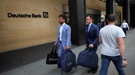Besuch vom Luxusschneider bei der Deutschen Bank, London, Großbritannien, 8. Juli 2019.