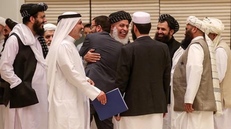 Am 7. und 8. Juli trafen sich in Doha/Katar Vertreter der Taliban, einiger Regierungsmitglieder in privater Sache und mächtige afghanische Stammesführer zu Friedensgesprächen. Am Ende einigten sie sich auf ein gemeinsames Abschlussdokument.