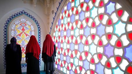 Gebet in der Şehitlik-Moschee, Berlin, Deutschland, 3 Oktober 2017.
