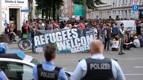 Teilnehmer der Protestdemonstration am 10. Juli 2019 im Leipziger Stadtteil Volkmarsdorf