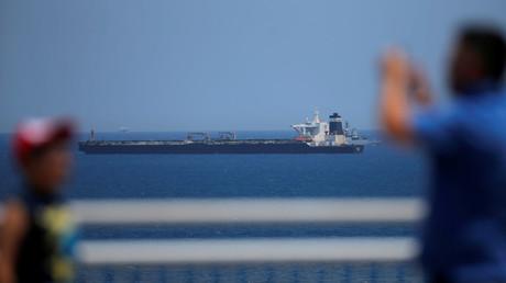 Offiziere des Supertankers in Gibraltar gegen Kaution auf freiem Fuß