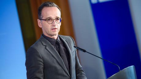 Bundesaußenminister Heiko Maas hat sich für eine Vorreiterrolle Deutschlands und anderer aufnahmewilliger Staaten im Streit über die Verteilung von Migranten in der EU ausgesprochen.