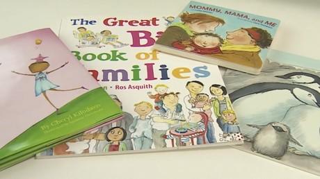Stein des Anstoßes: Schulbücher, die gleichgeschlechtliche Beziehungen zum Thema machen